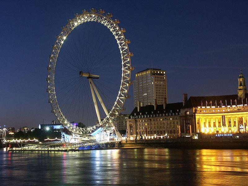 ride: the London Eye (Millennium Wheel)