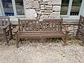 Long shot of the bench (OpenBenches 9298-1).jpg