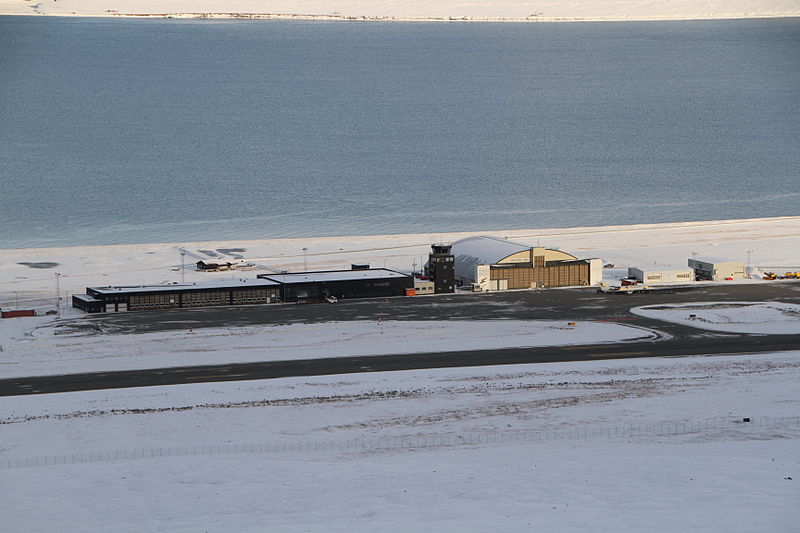 Longyearbyen Airport IMG 8768.JPG