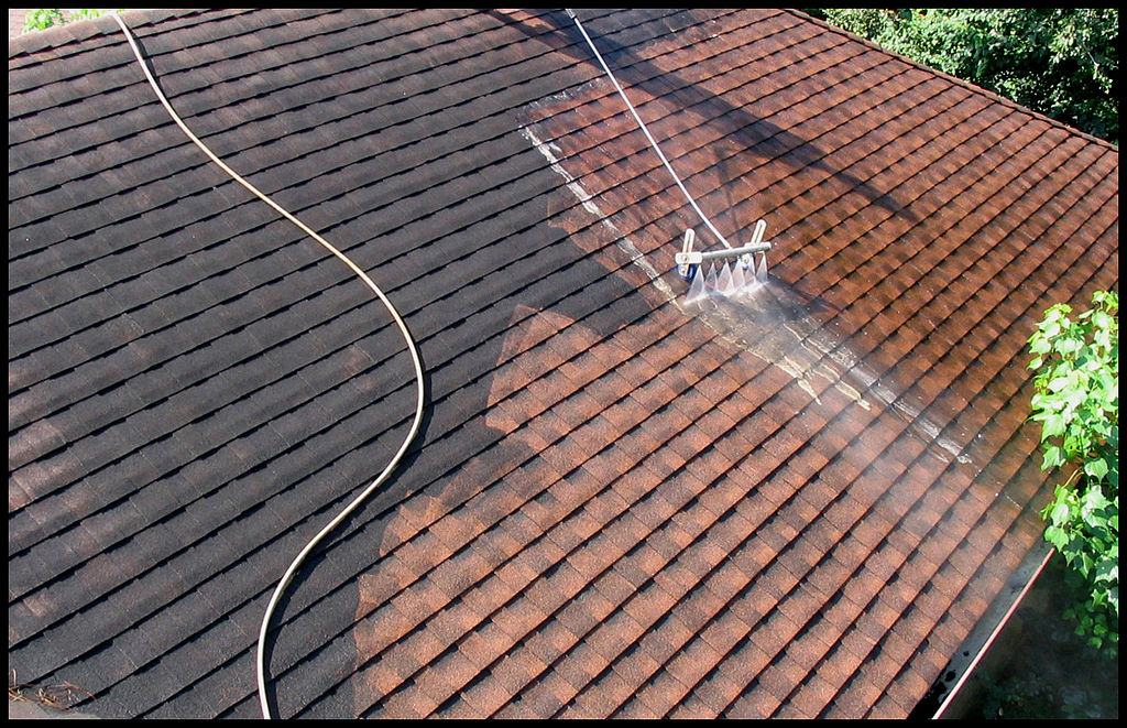 File low pressure roof wikimedia commons - Using water pressure roof cleaning ...