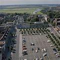 Luchtfoto vanaf de toren van de Sint-Janskathedraal, overzicht naar het westen met het plein en het achterland - 's-Hertogenbosch - 20381287 - RCE.jpg