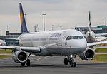 Lufthansa Airbus A321 D-AISD (25678007905).jpg