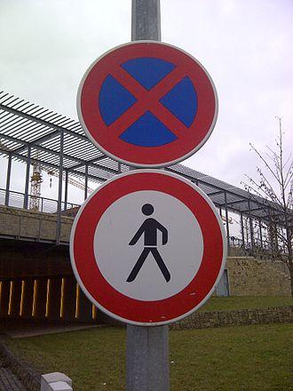 Jaywalking - Pedestrian prohibition in Luxembourg