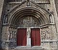 Maastricht - Sint Lambertuskerk entree met beelden van Wim van Hoorn (1942) 20190504.jpg