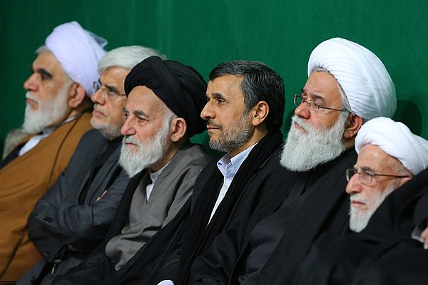 Mahmoud Ahmadinejad in Imam Khomeini mosque.jpg