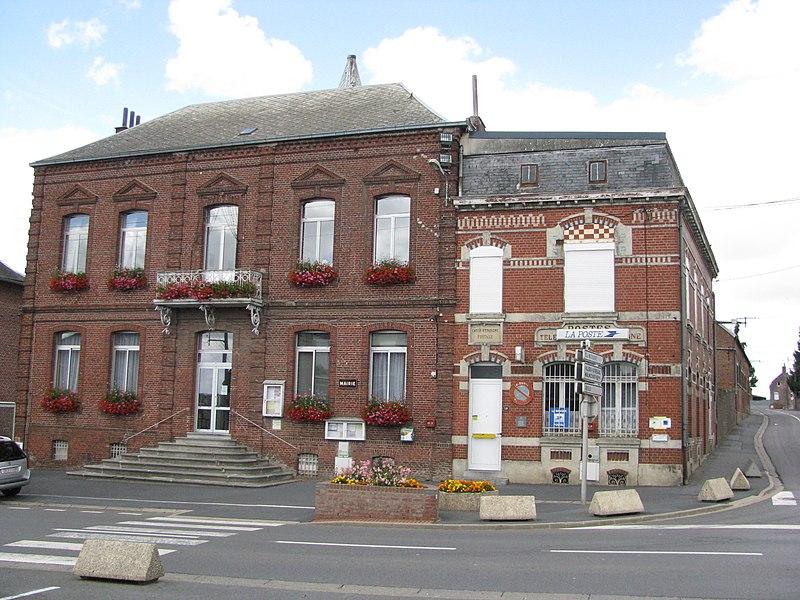 Mairie et Poste de Maretz
