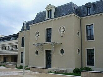 Combs-la-Ville - Image: Mairiecombs