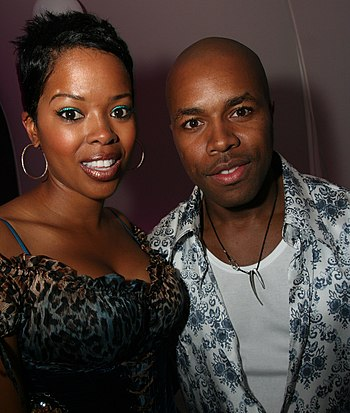 English: Malinda Williams and D-Nice in June 2006.