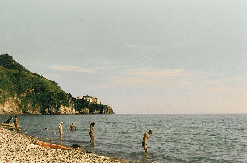 File:Manarola from Corniglia beach.jpg