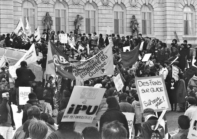 File:Manifestation à Québec contre le dégel des frais de scolarité 3.jpg