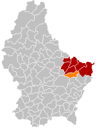 Map of Luxembourg with Bech highlighted in orange, the district in dark grey, and the canton in dark red