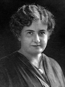Maria Montessori (portrait).jpg