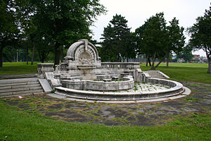 Palmer Park (Detroit) - Image: Merrill Humane Fountain in July 2013 10