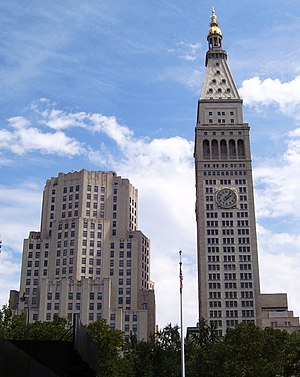 Singer building wikivisually metropolitan life insurance company tower the north building and met life tower seen from across fandeluxe Images
