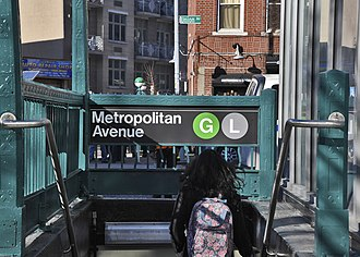 Metropolitan Avenue/Lorimer Street (New York City Subway) - Image: Metropolitan Av entrance vc