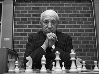 Miguel Najdorf 1973.jpg