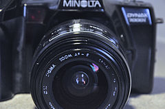 Minolta Dynax 7000i Analogue Film Camera, With Sigma 28-70mm Lens (8743151747).jpg