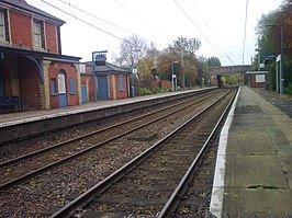 Mistley railway station in 2010.jpg