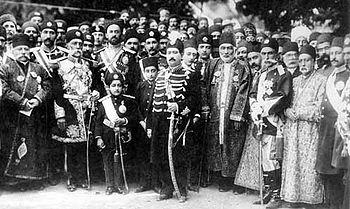 محمد علی شاه قاجار و درباریان