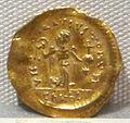Moneta aurea barbarica a imitazione di coni bizantini, a nome di giustiniano I, 527-565, 02.JPG
