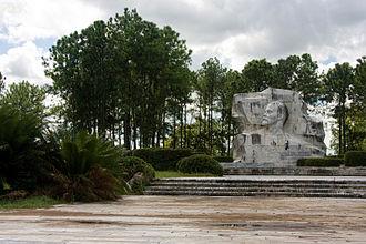 Lev Kerbel - The Lenin Monument in Parque Lenin, Havana, Cuba (1984, sculptor - Lev Kerbel, architect - A.Quintana)