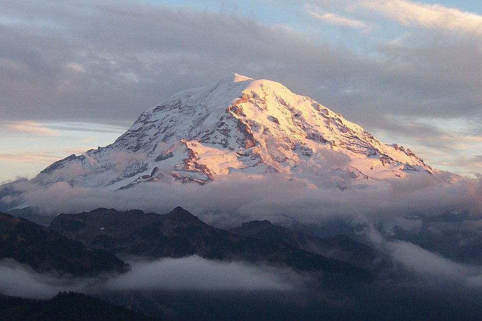 Mount Rainier sunset and clouds