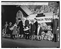 Mrs. Hoover at Central Union Mission, 12-23-29 LCCN2016844366.jpg