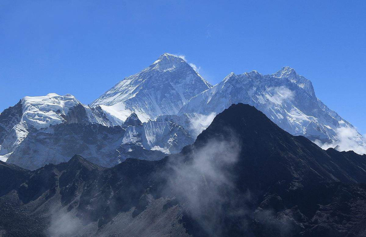Mount Everest in 2016 - Wikipedia