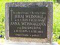 Náhrobný kameň rodičov súrodencov Jurovských.JPG