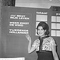Nationaal Songfestival 1964 Anneke Grönloh tijdens haar optreden in Tivoli te U, Bestanddeelnr 916-0842.jpg