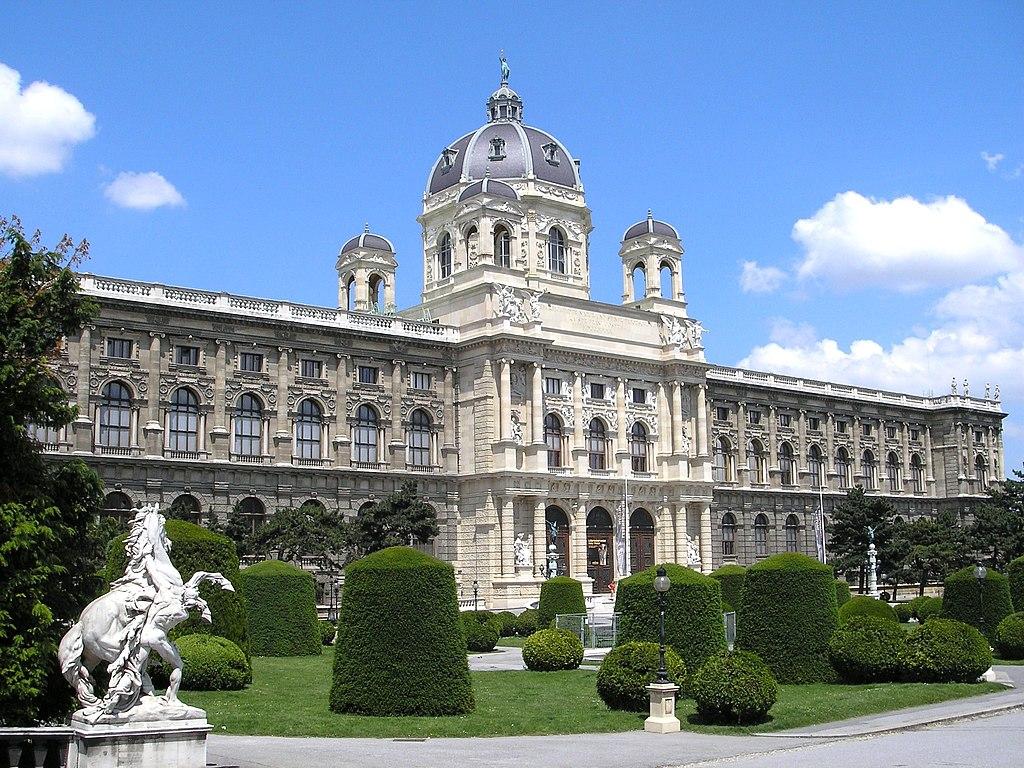 Naturhistorisches Museum Vienna June 2006 241