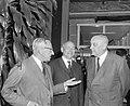 Nederlandse Economische Missie naar Japan vertrokken, v.l.n.r. prof. J. de Quay , Bestanddeelnr 917-8161.jpg