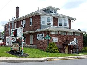 Kenhorst, Pennsylvania - Image: New Holland Rd 1500, Kenhorst Berks Co PA