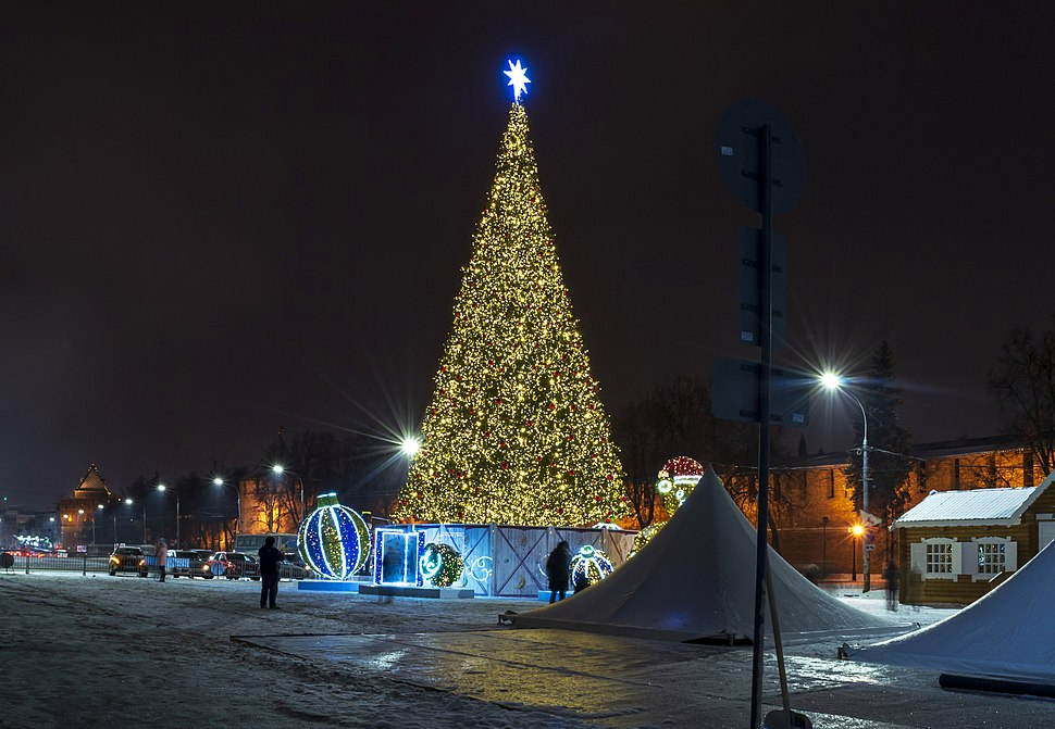 New Year Tree on the Minin and Pozharsky Square 04