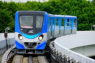 Nankō Port Town Line - Image: Newtram 200 2