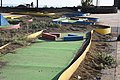 Nicht mehr ganz funktionstüchtige Minigolf-Anlage in Puerto del Carmen, Lanzarote.jpg