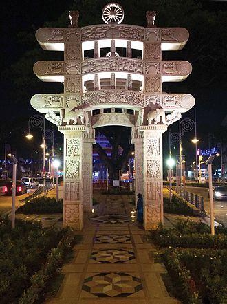 Torana Gate, Malaysia - Image: Night View of the Torana Gate