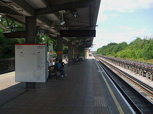 Northolt station look west