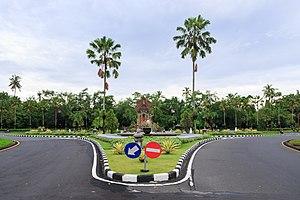 Badung Regency - Image: Nusa Dua Bali Indonesia Northern Roundabout 02