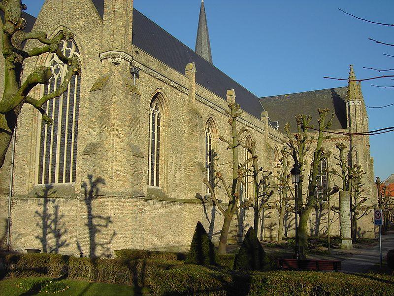 Zuidgevel van de parochiekerk Onze-Lieve-Vrouw