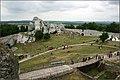 Ogrodzieniec castle's yard - panoramio.jpg