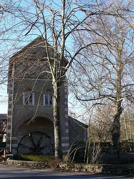 Moulin des Béchets sur le Loiret, Olivet, Loiret, France