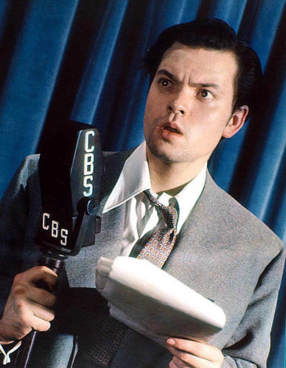 Orson-Welles-CBS-Radio-Studio-1938