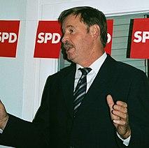 Ortwin Runde German politician