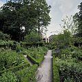 Overzicht van de oude moestuin, met huis Brakel op de achtergrond - Brakel - 20424036 - RCE.jpg