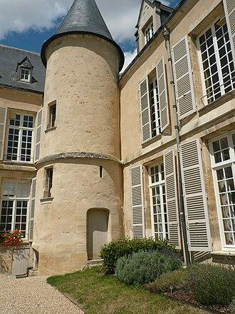 Val-d'Oise - Image: P1030360 chateau