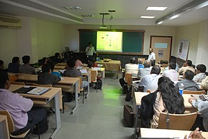How to Choose the Best Management College