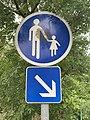 Panneau Voie Piétons Obligatoire Route Cuétant St Jean Veyle 2.jpg