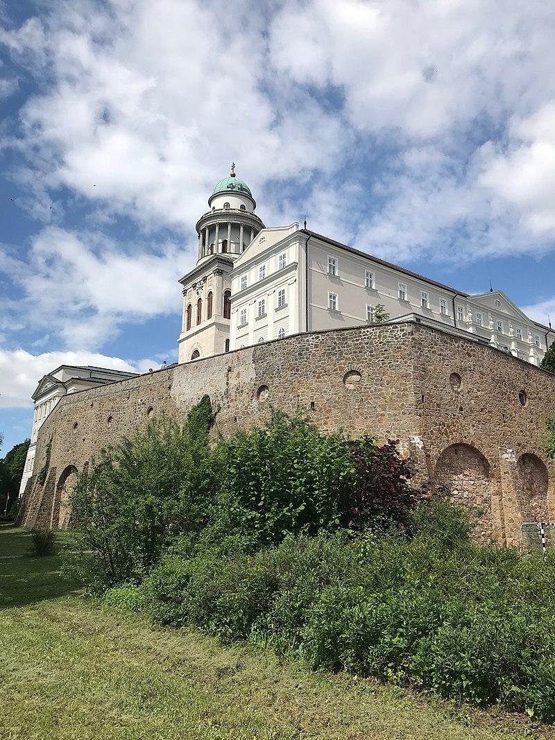 Pannonhalma - Szent Jakab-út (Magyarország, 2019).jpg