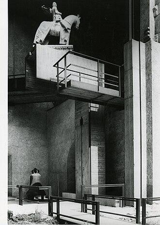 Carlo Scarpa - Museo di Castelvecchio in Verona. Photo by Paolo Monti, 1982 (Fondo Paolo Monti, BEIC).
